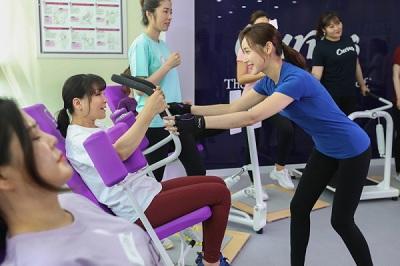 [SBS CNBC 7.15] 중노년기 건강 적신호 이겨낸 비결? 커브스 '30분 순환운동' 인기