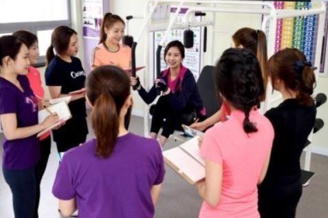 [창업&프랜차이즈 3월호] 스페셜특집|현대 여성을 위한 운동 놀이터 <커브스>
